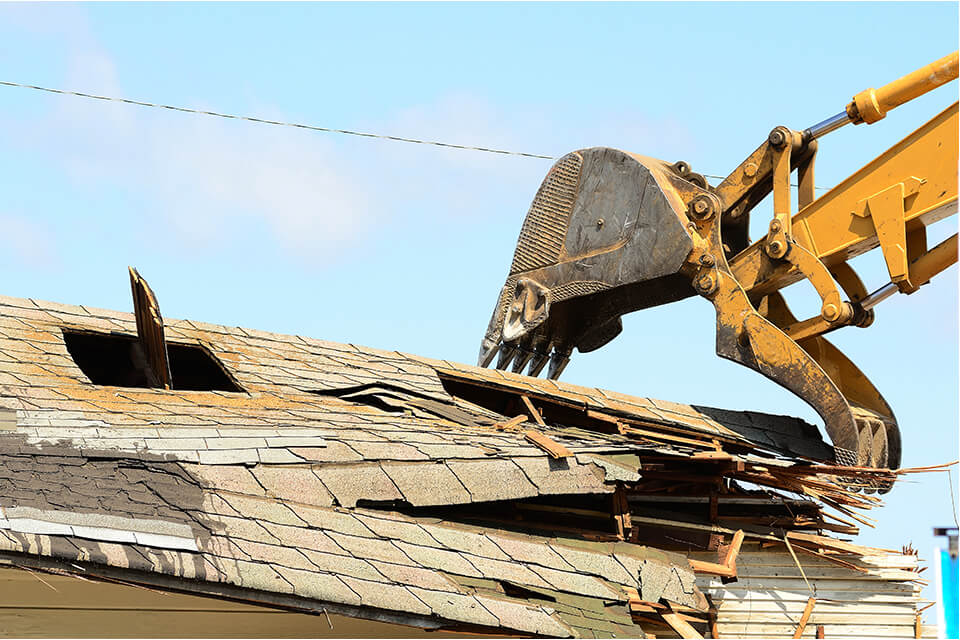 We also demolish residential properties such as condemned homes and garages.